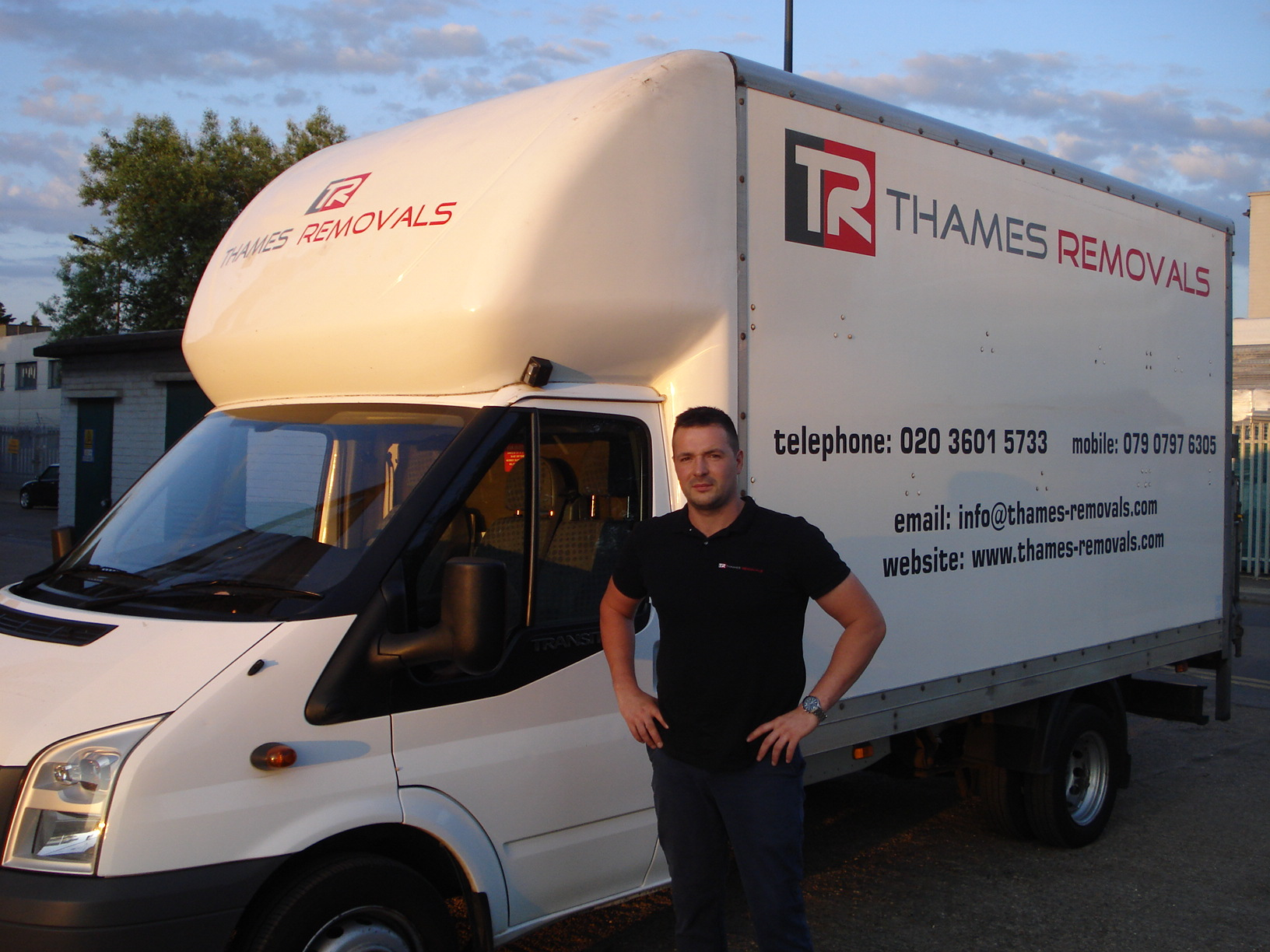 thames-removals-2